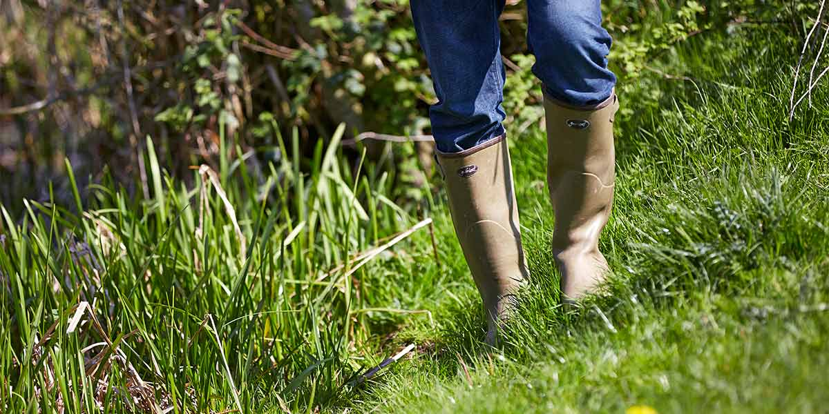 Gumleaf-Royal-Zip-Boots-Perfect-for-Gardening