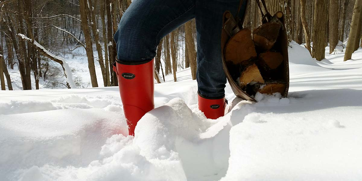 Womens-Norse-Boot-is-Perfectly-Warm-in-the-Snow