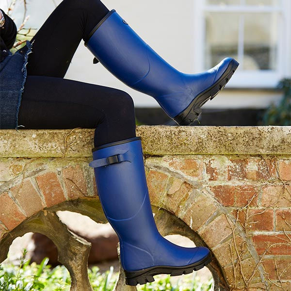 Womens-Norse-Boots-Perfect-for-a-Run-into-Town
